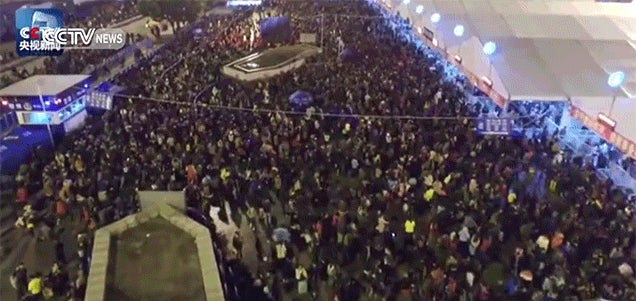 Thousands of People Are Stuck in This Ridiculous Human Traffic Jam at a China Train Station