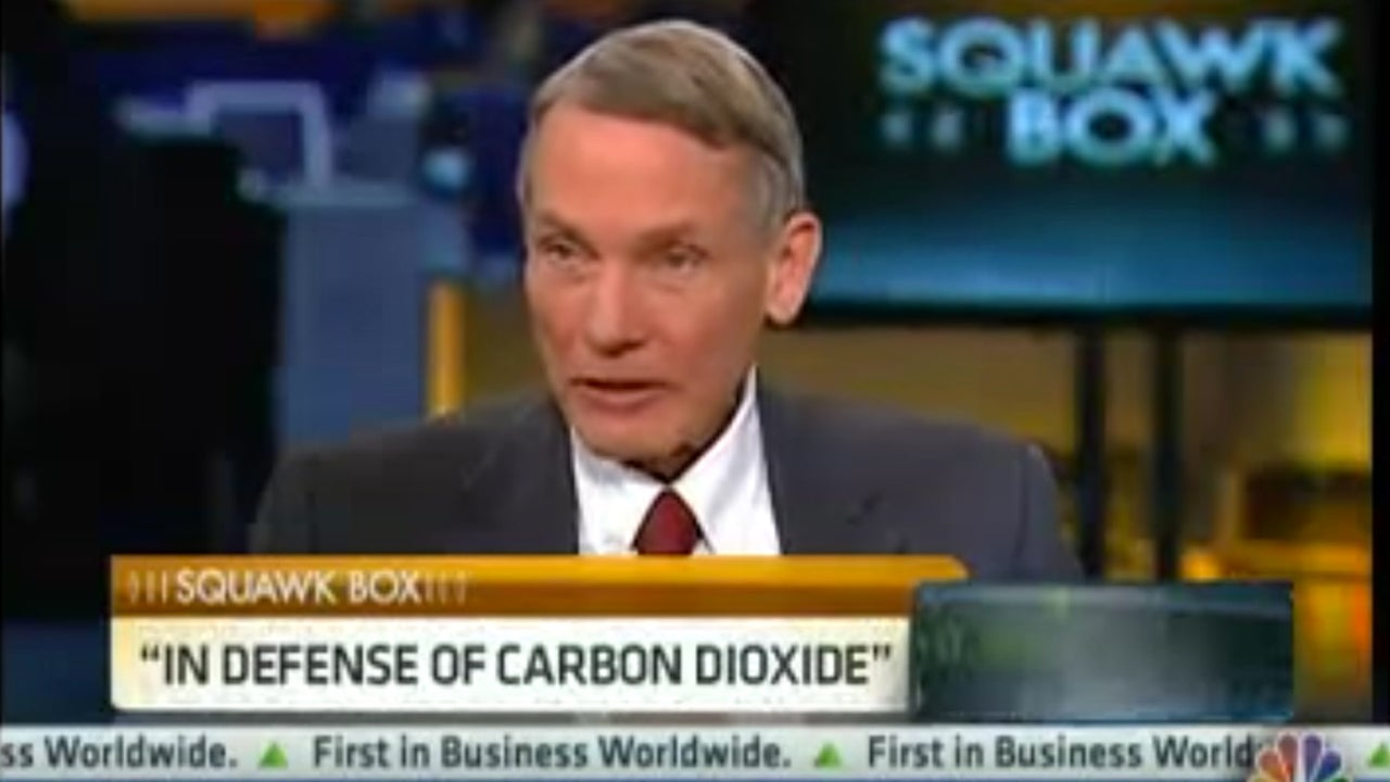 Trump Meets With Scientist Who Compared Plight of Carbon Dioxide to That of 'Jews Under Hitler'