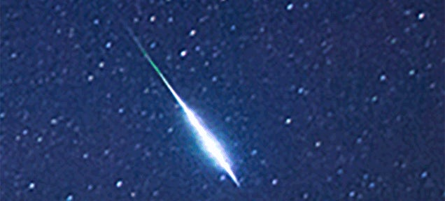 Meteor streaks across the sky and leaves a trail in the shape of a Z