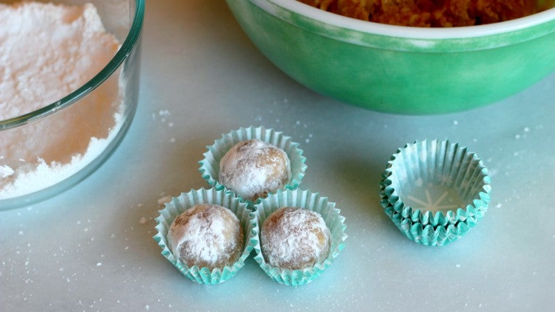 Boozy Balls Are The Season's Classy Answer To The Jelly Shot