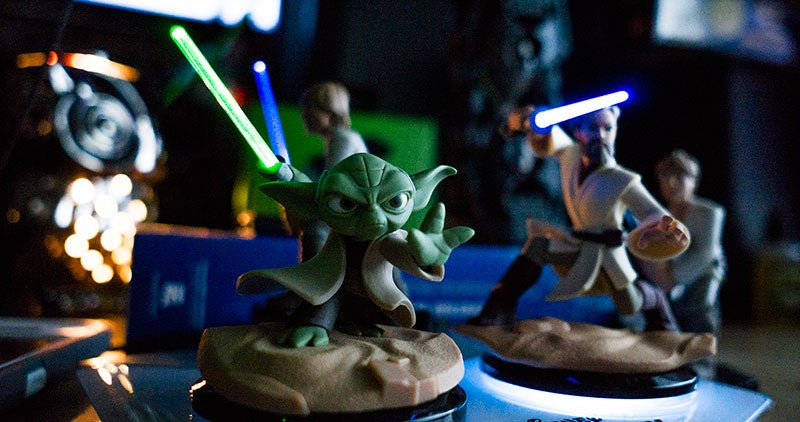 Disney Releases The Coolest Star Wars Infinity Figures In The Most Annoying Way Possible