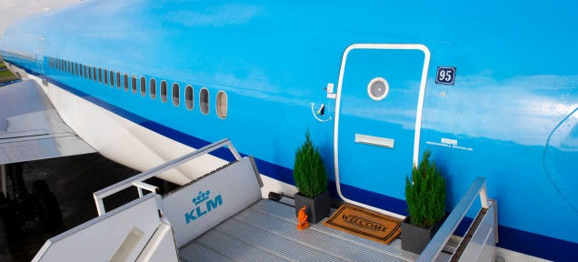 Working aeroplane transformed into perfect loft now available on Airbnb