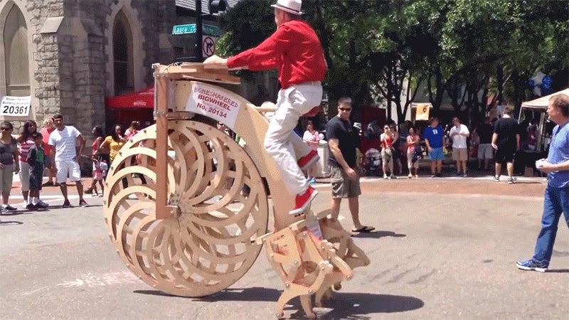 Here's Weirdest Bigwheel Bike in the World