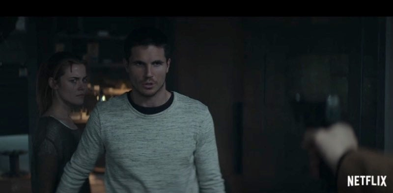 A Grim Time Loop Ruins Robbie Amell's Day, Every Day, In Netflix Thriller ARQ