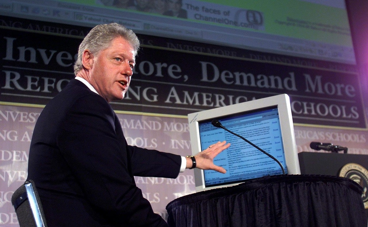 Bill Clinton's 1999 Internet Town Hall Was The First Presidential AMA