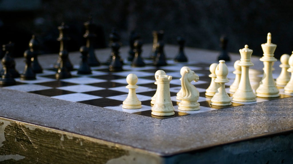 AlphaZero Annihilates World's Best Chess Bot After Just Four