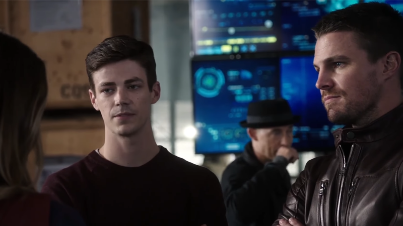 Barry Allen Tries (And Fails) To Be The Team Leader In A New DC Crossover Clip