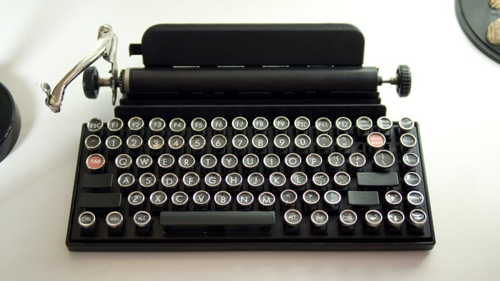 This Vintage Typewriter Is Actually a Keyboard For Your Tablet