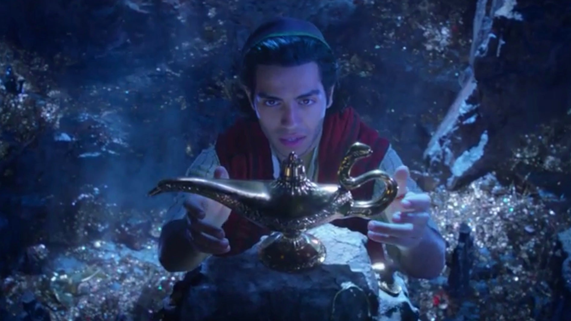 The First Teaser For Disney's Live-Action Aladdin Is Pure Magic
