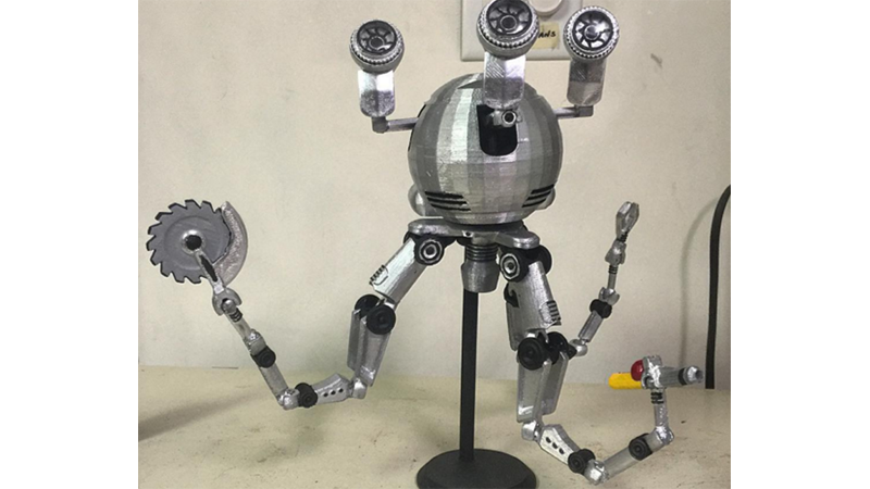 Fan 3D Prints Fallout's Robotic Buttler