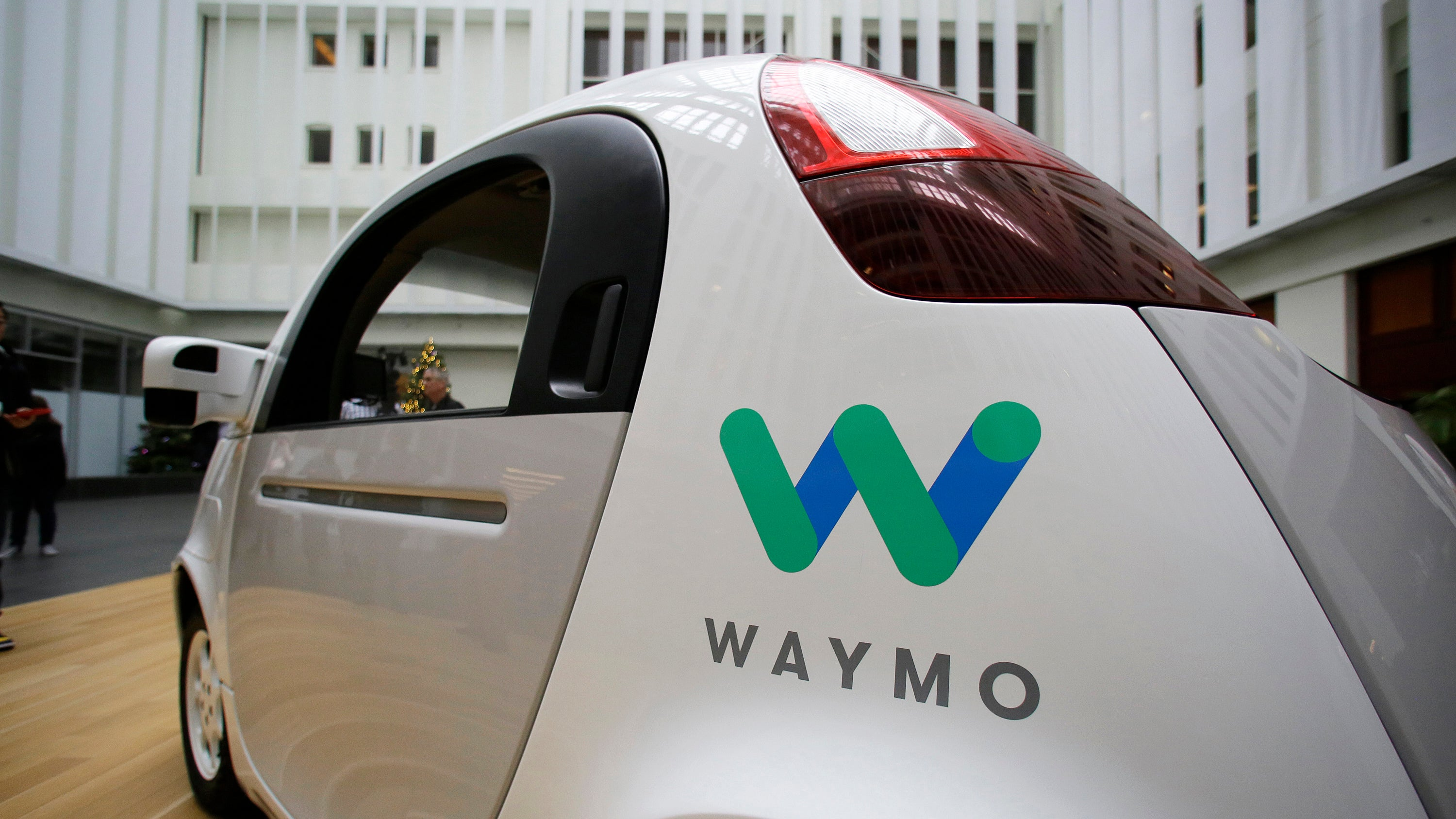 Waymo drops 3 of 4 patent infringement claims against Uber