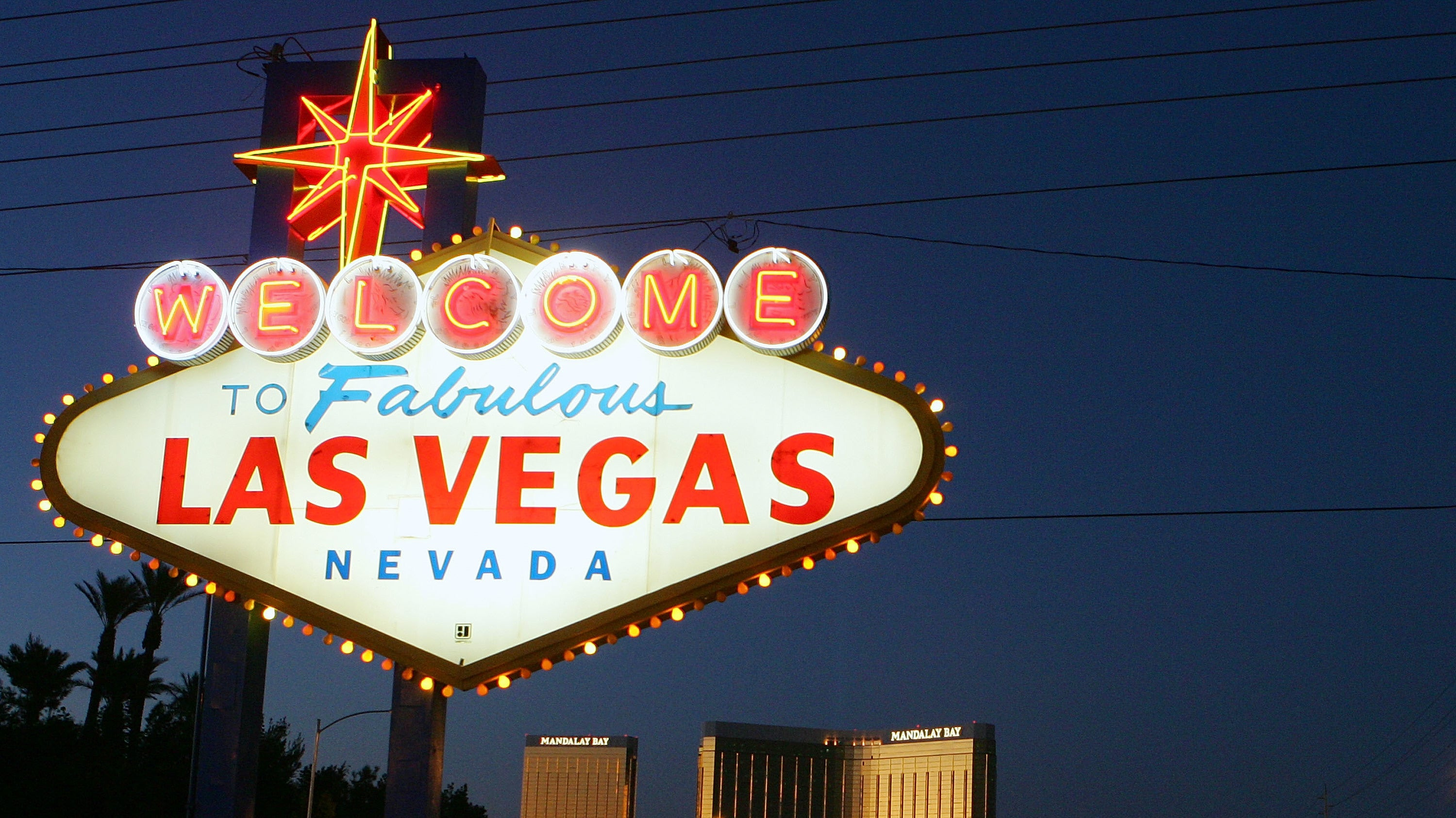 50,000 Las Vegas Workers Are Ready To Go On Strike Over Fears Of Robots Taking Their Jobs