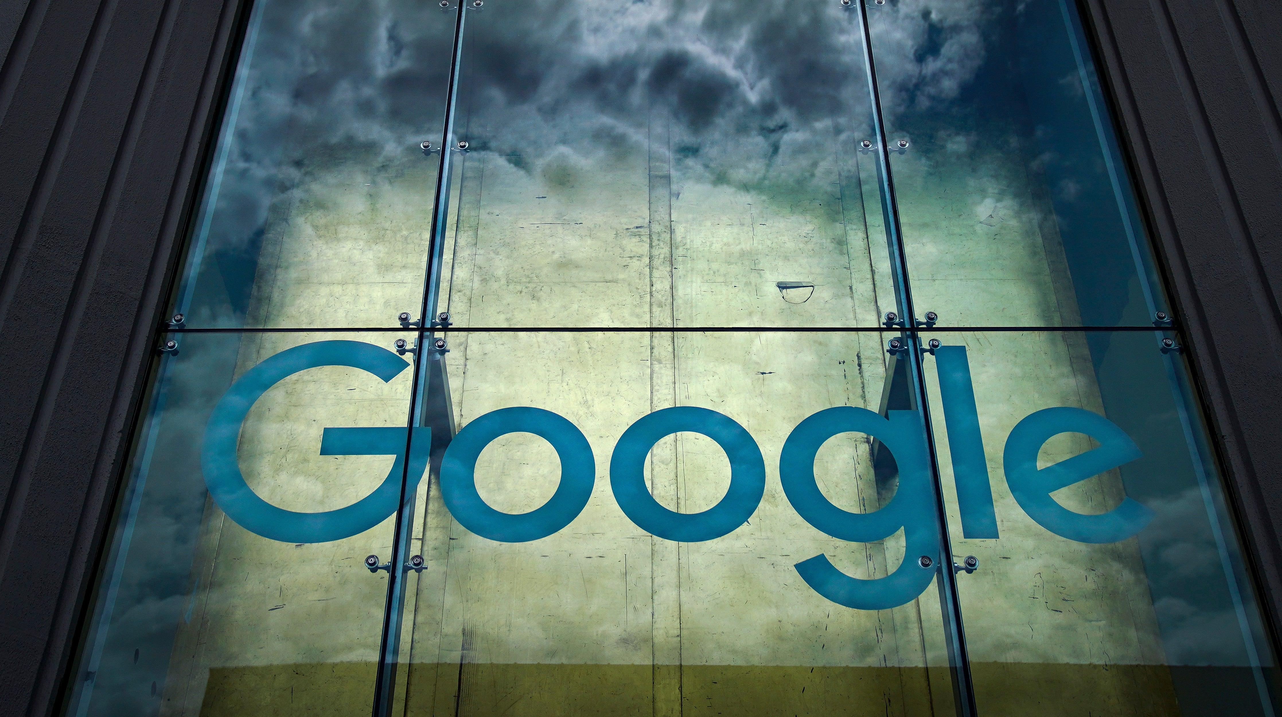 Google And Private Research University Sued For Sharing Medical Data Without Patient Consent
