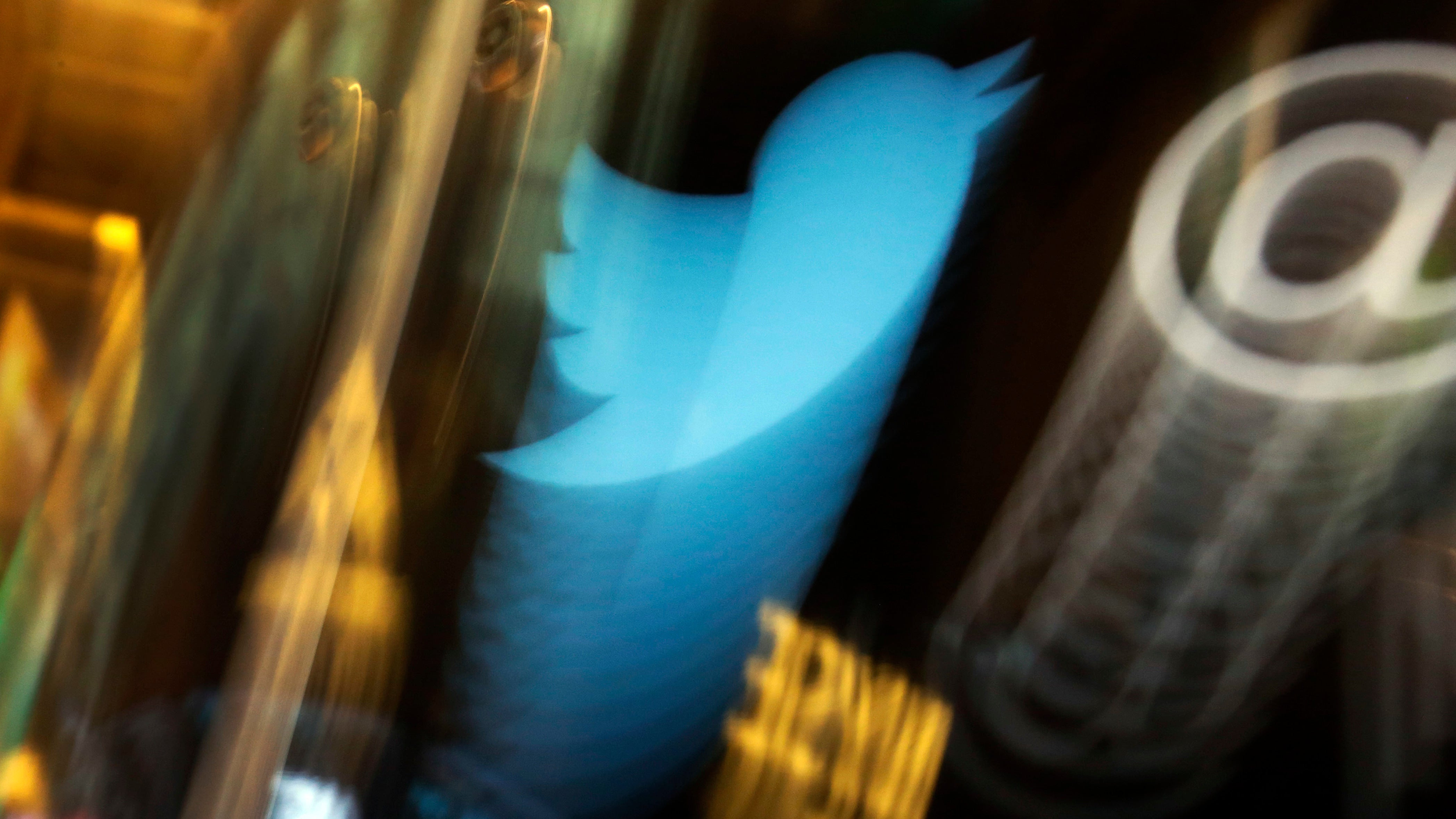 Twitter Is 'Experimenting' With A Hide Tweet Feature To Help Make The Site Less Awful