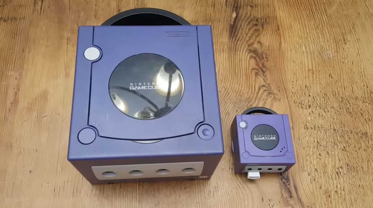 Tiny Little GameCube Works, Is Asking To Get Its Cheeks Pinched