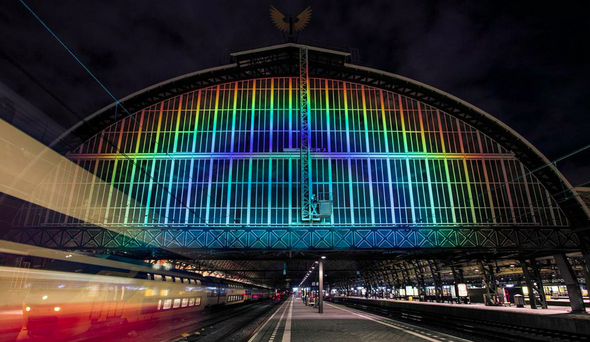 This Giant Rainbow Was Made With Tech That's Used To Study Exoplanets