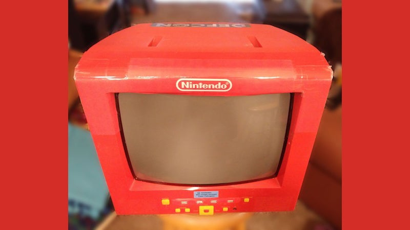 Build A Retro Looking All-In-One Console With A Raspberry Pi And An Old CRT