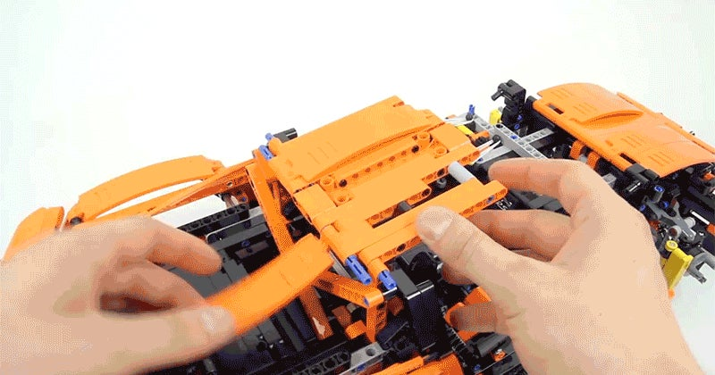 A High-Speed Timelapse Build of Lego's Giant New Porsche Is 25 Minutes Long