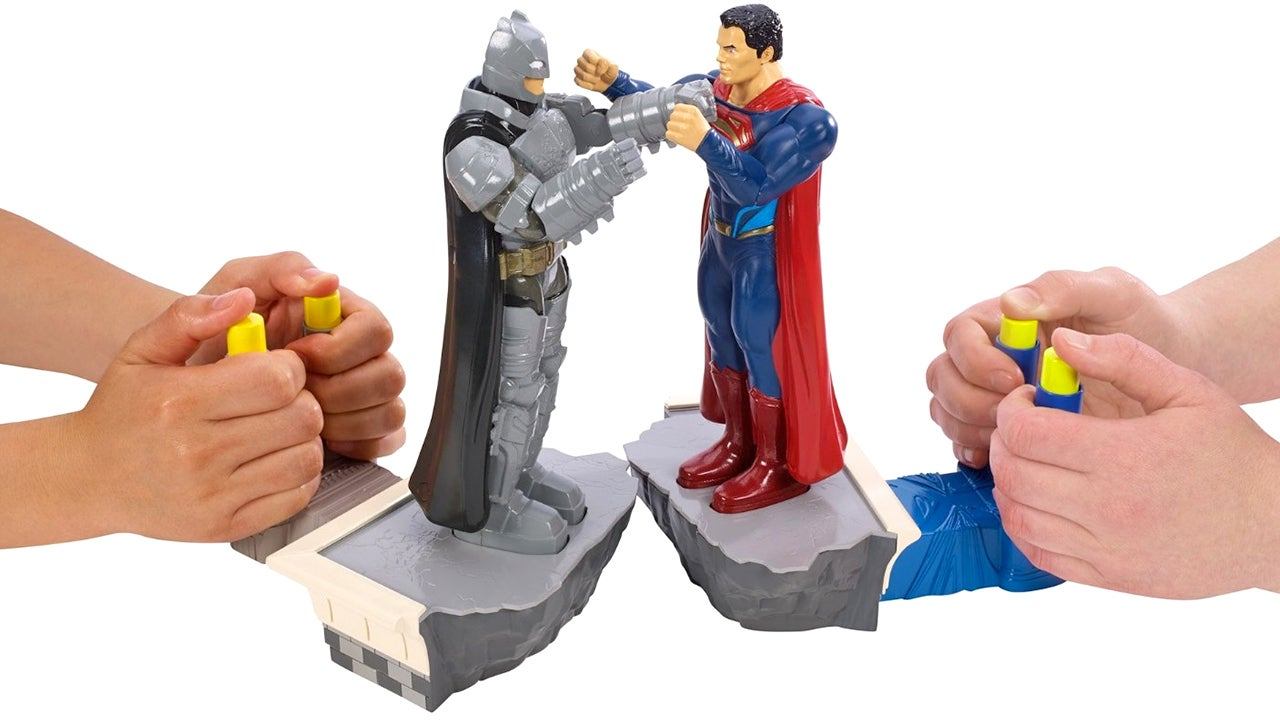 I Hope Every Batman v Superman Fight Plays Out Like Rock 'Em Sock 'Em Robots
