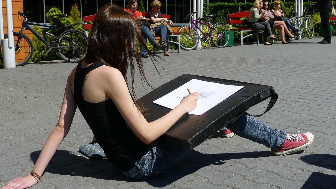 Balance Creative Work With Must-Do Tasks By Splitting An Hour 45-15