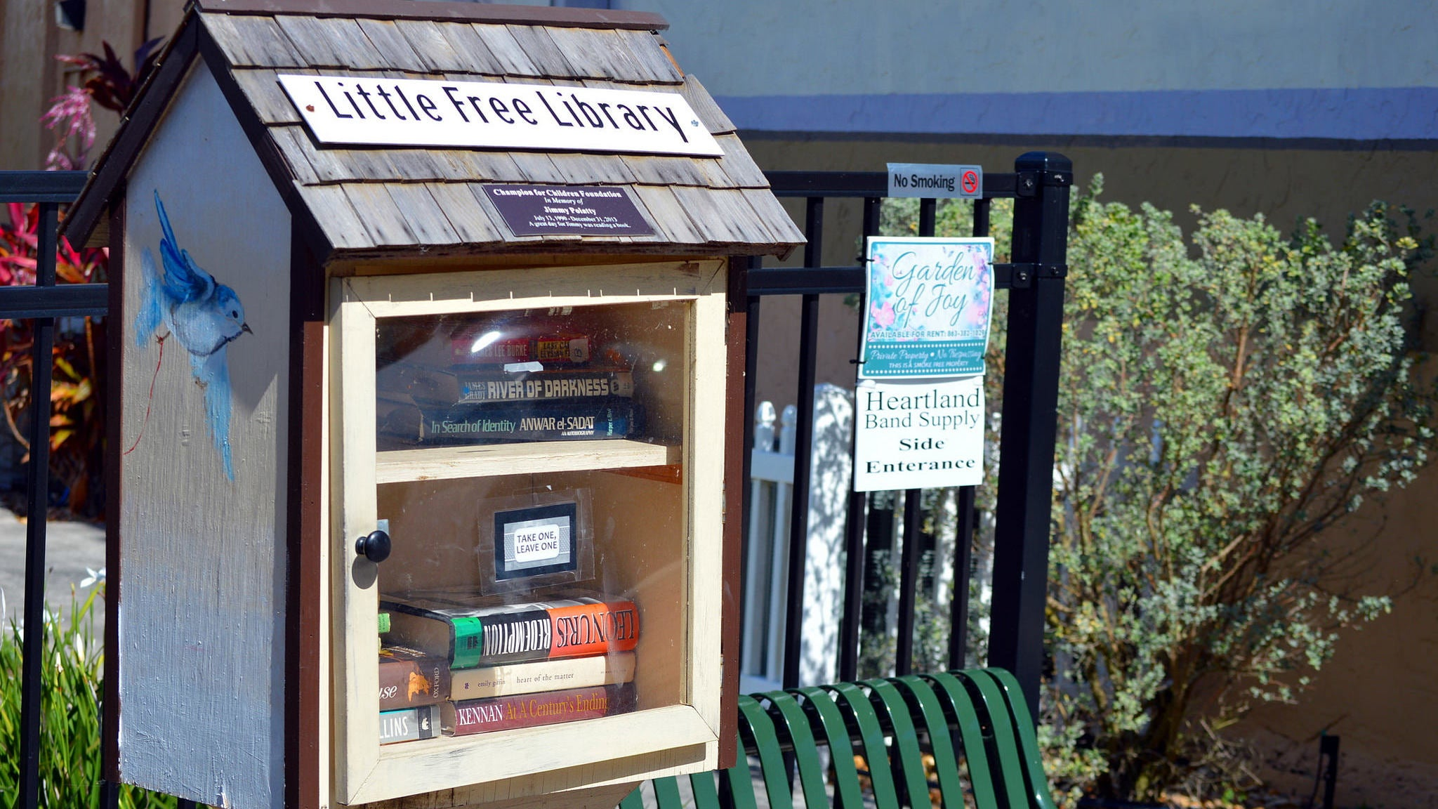 How To Set Up A Little Free Library In Your Neighbourhood