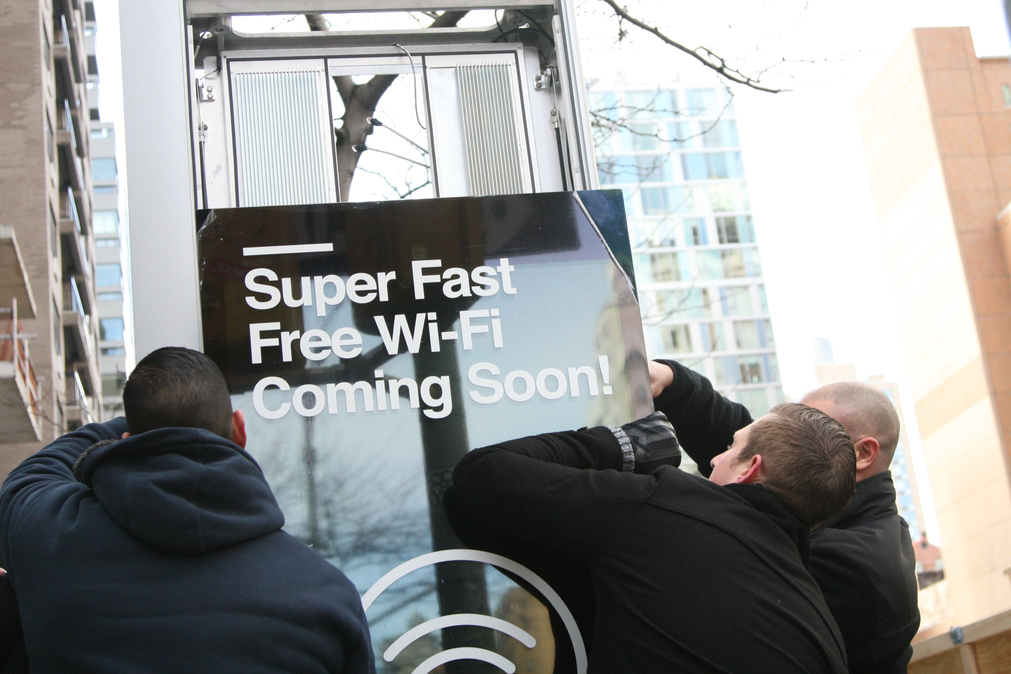 NYC's New Gigabit Wifi Hotspots Work Like Payphones From the Future