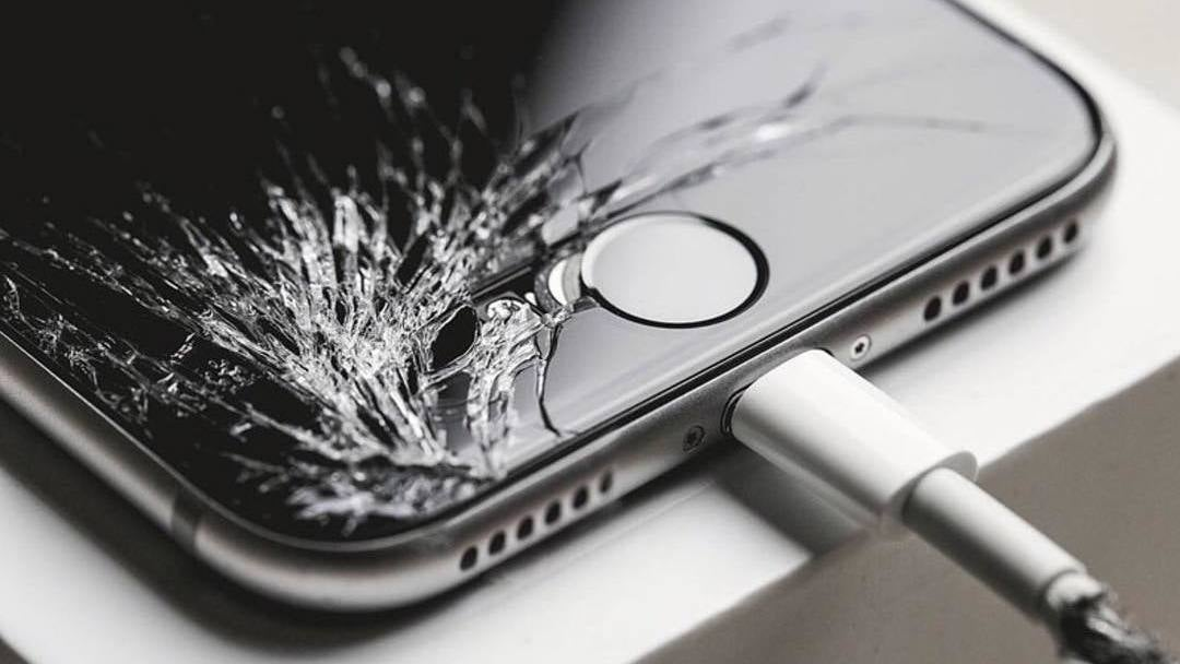 How You Can Save A Few Hundred Dollars With A Screen Protector