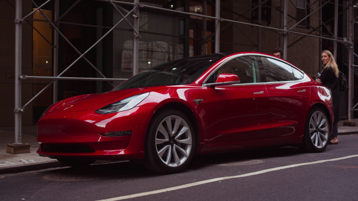 Tesla Posts $743 Million Loss As It Expects To Make Average Of4000 Model 3s Per Week