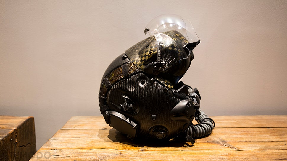I Wore a $US400,000 ($554,212) F-35 Helmet and It Blew My Mind