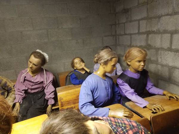 You Can Buy These Absurdly Creepy Wax Amish Children for Just $US300 ($393) (Each)
