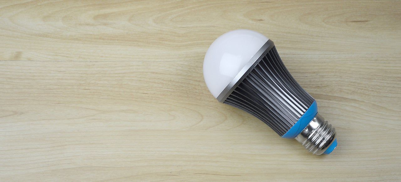This Smart LED Bulb Will Lull You To Sleep By Mimicking The Sun