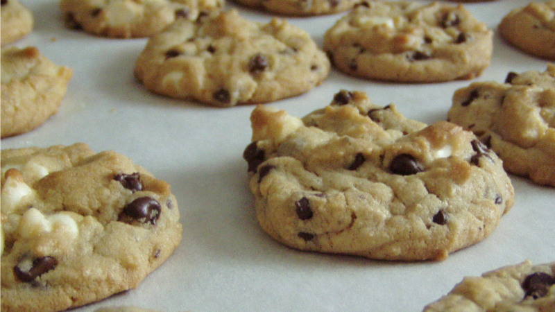 Think 'Like With Like' To Pack And Ship Cookies That Will Survive The Trip