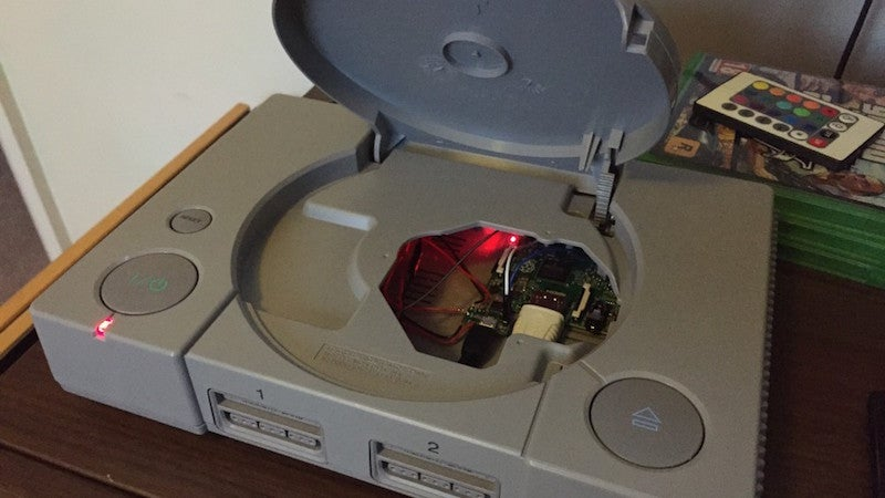 Stuff a Raspberry Pi Into a PlayStation One for Kitschy, Fun Case Mod