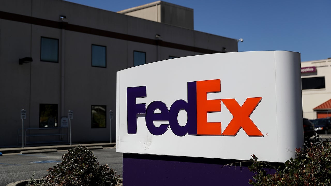 119,000Passports And Photo IDs Of FedEx Customers Found On Unsecured Amazon Server