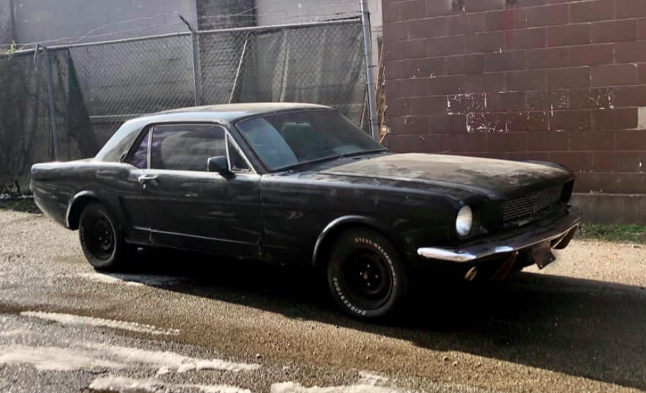 This 1966 Ford Mustang Is Called The 'Z-Tang' And It's Weirder Than It Looks