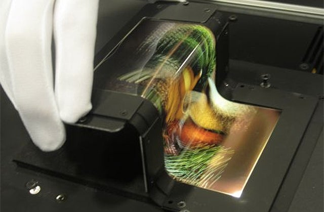 Folding OLED Displays Could Make a Bendy, Bright Kindle Someday
