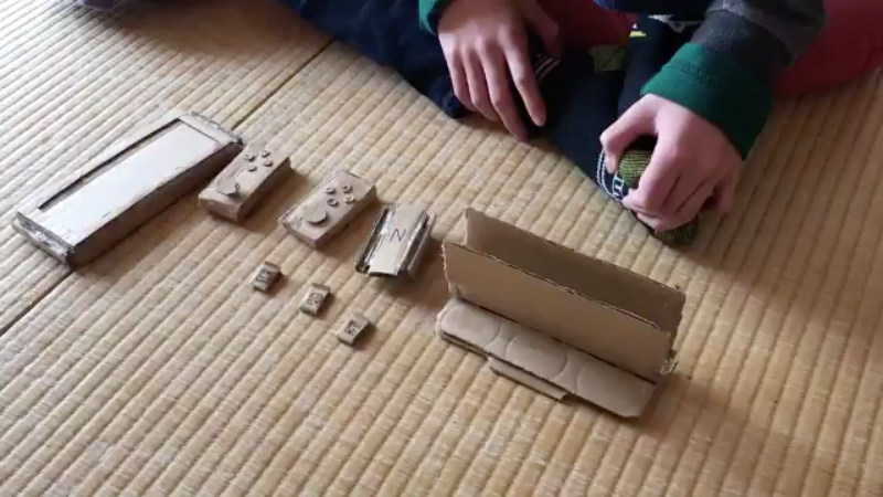 Kid Makes A Cardboard Nintendo Switch Because Mum Won't Buy The Console
