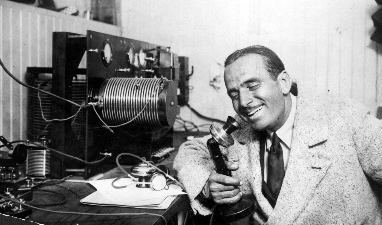 1922: Radio Will Kill the Newspaper Star