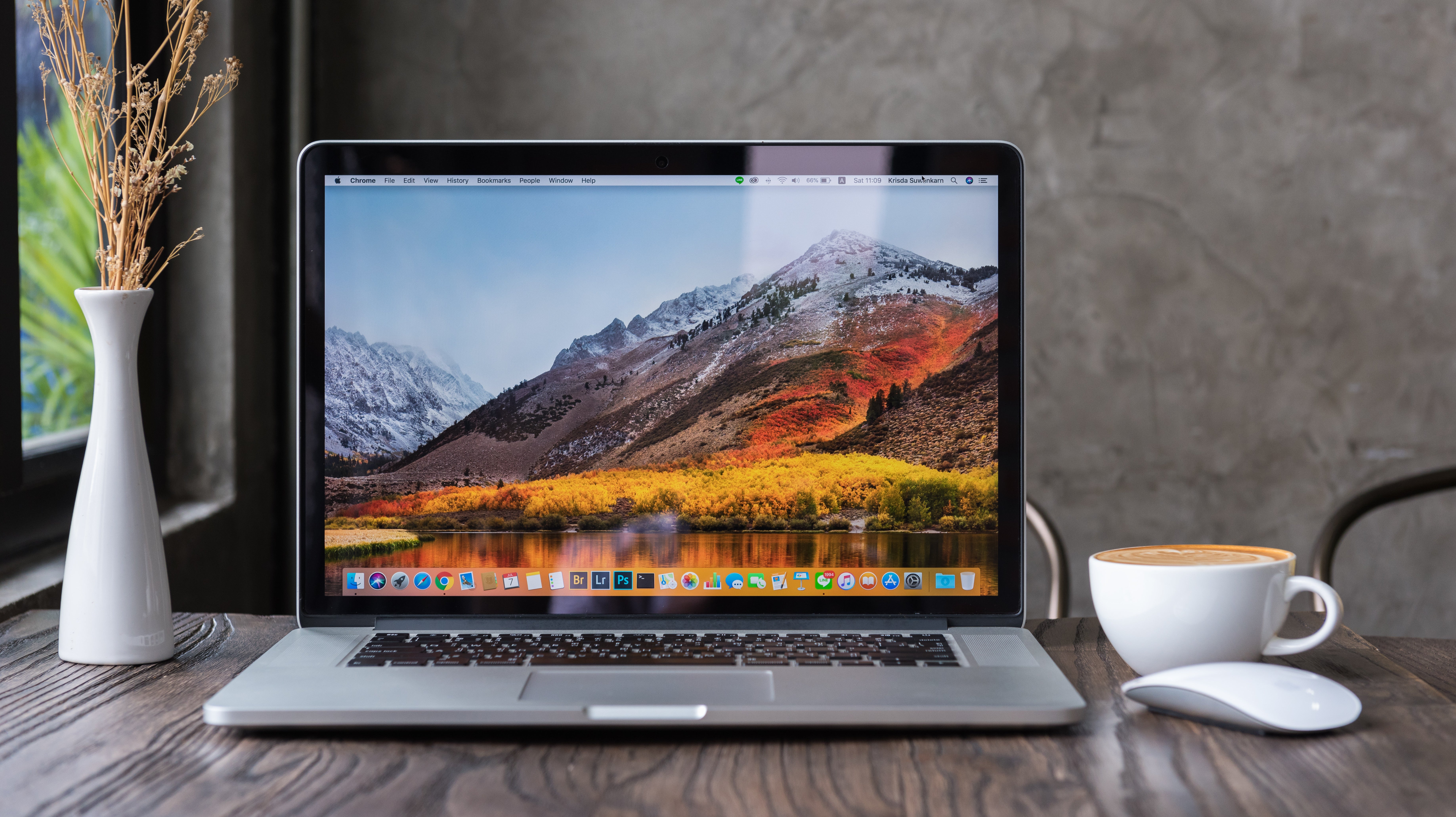 Declutter Your Menu Bar With This Mac App
