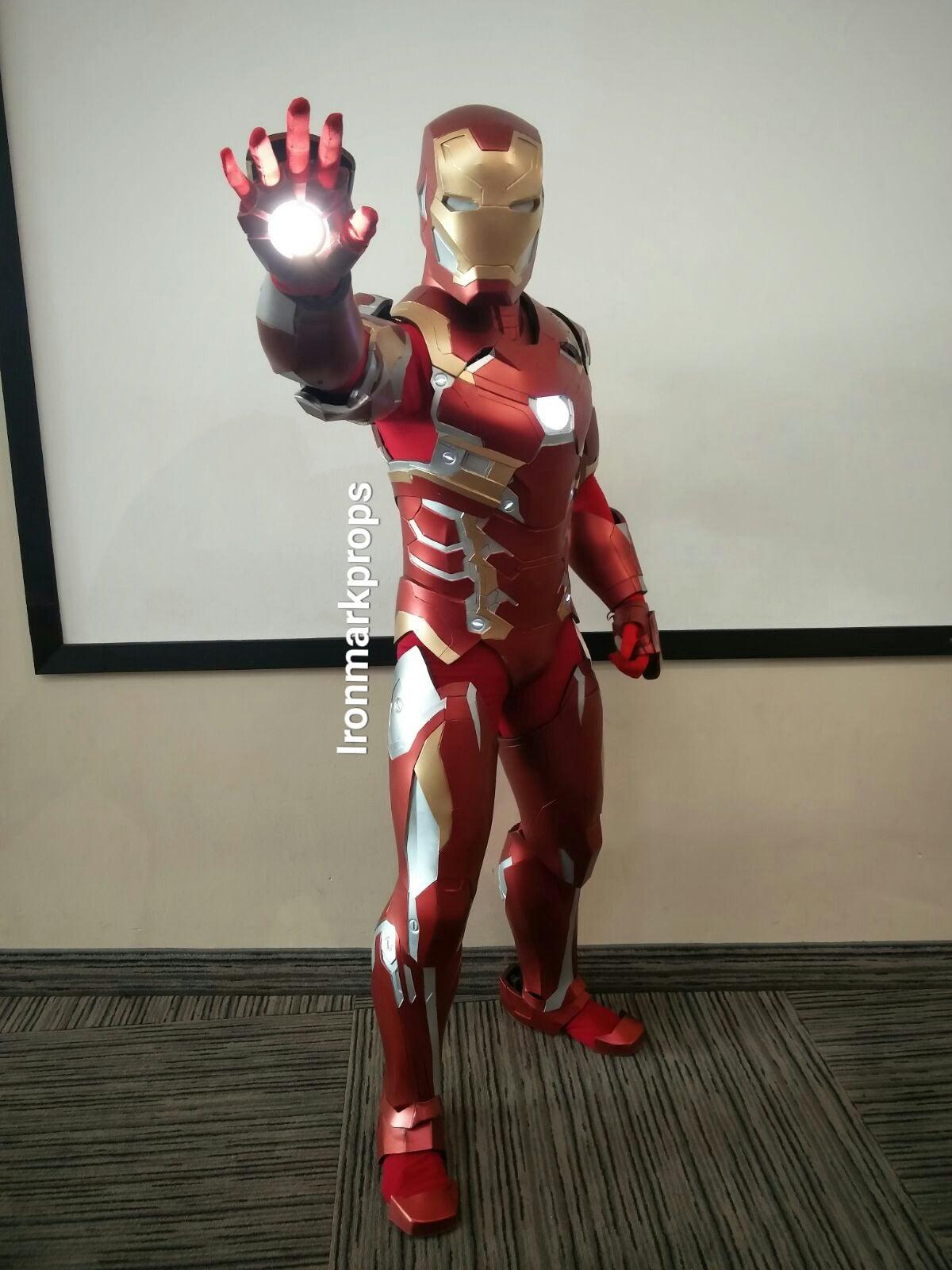 Sweet Iron Man Cosplay, Guy Who Is Not Tony Stark