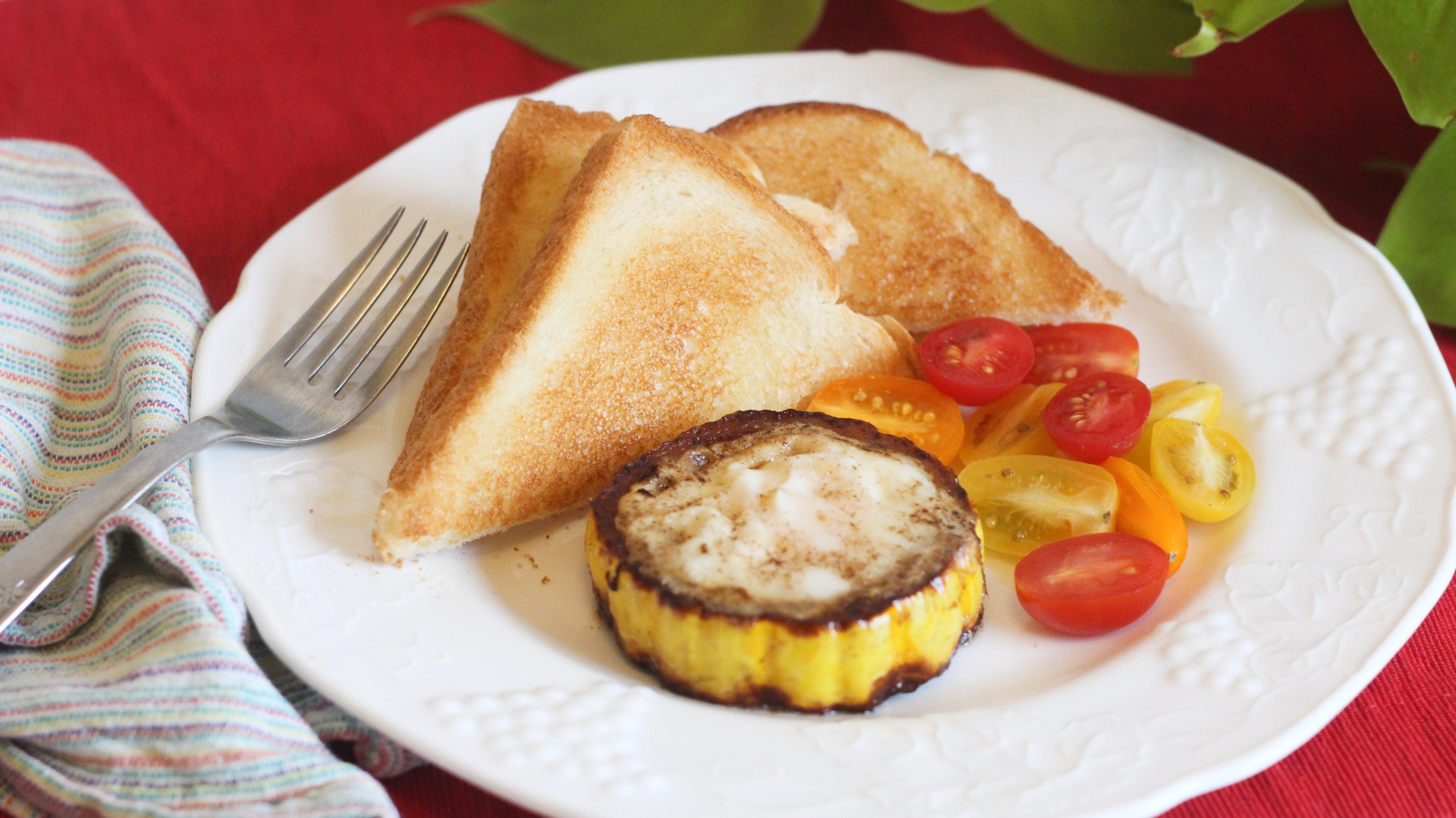 Fry Eggs In Delicata Squash Rings
