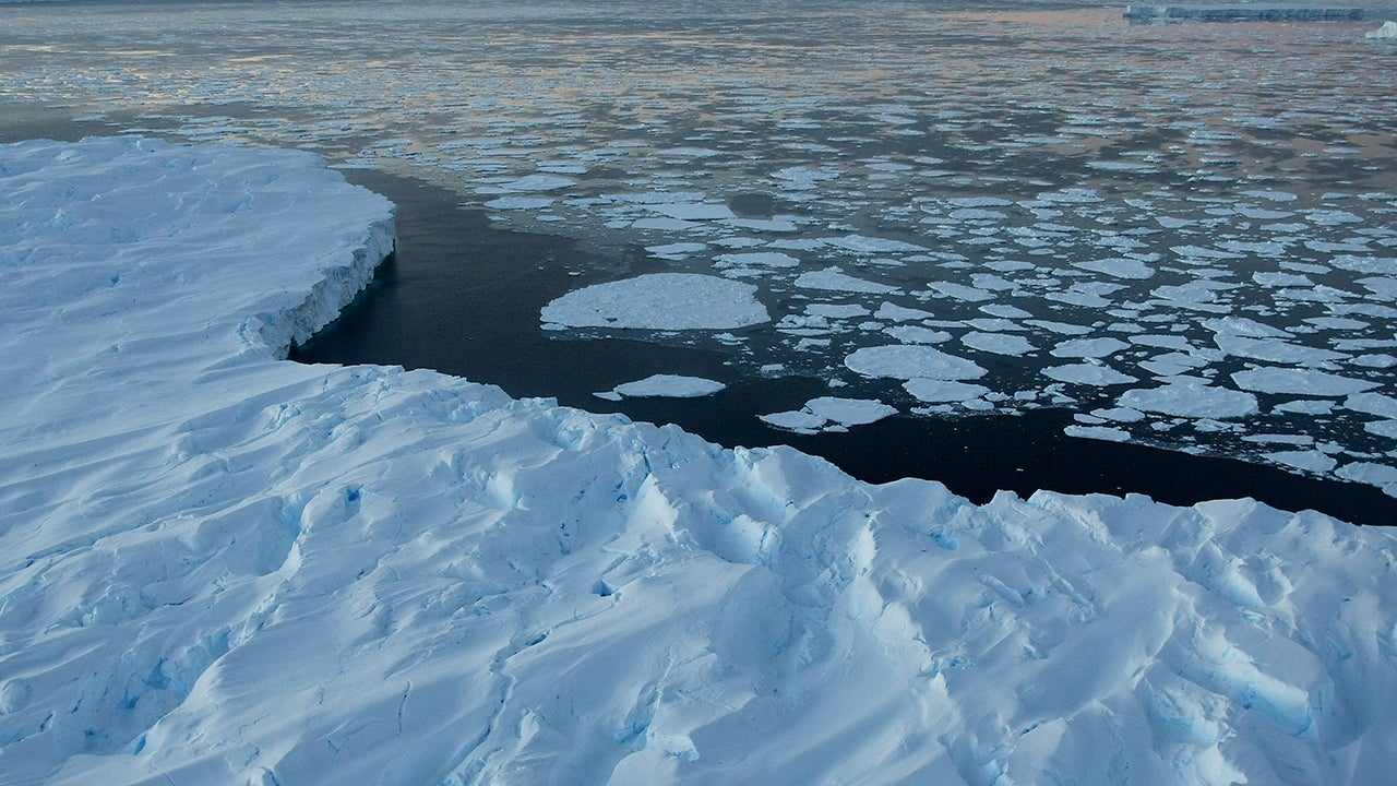 Scientists To Create A Library For Ice Before It All Melts Away