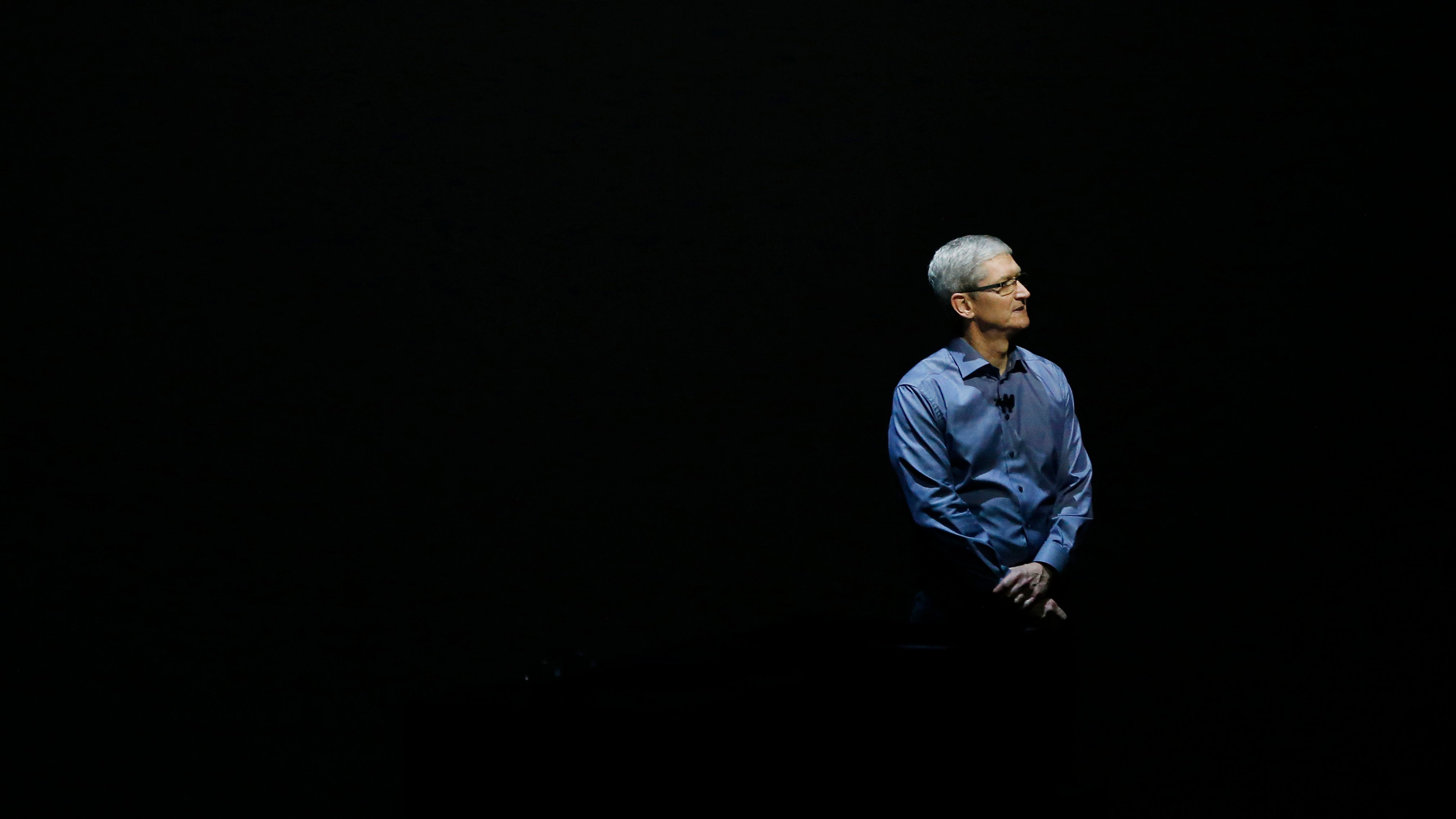 Tim Cook Wants a Government Commission to Settle the War Over iPhone Encryption