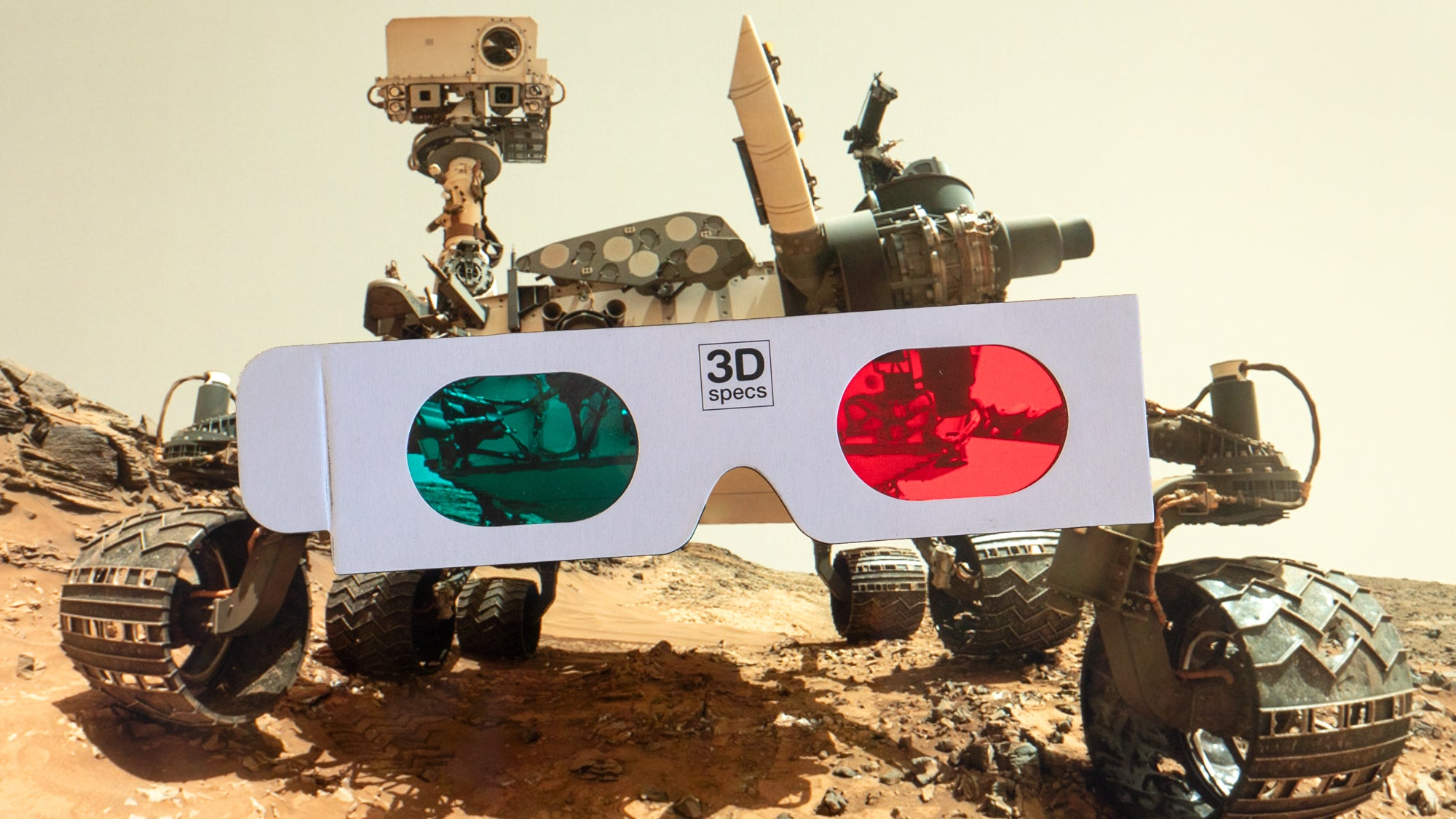 NASA Is Using Red And Blue 3D Glasses To Safely Drive The Mars Rover While Working From Home