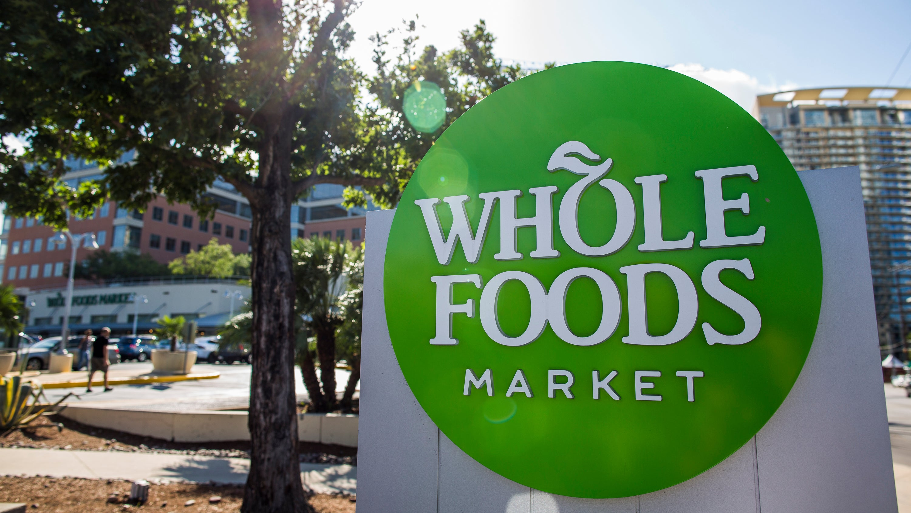 Whole Foods manages to make salmon consumers abandon its competitors