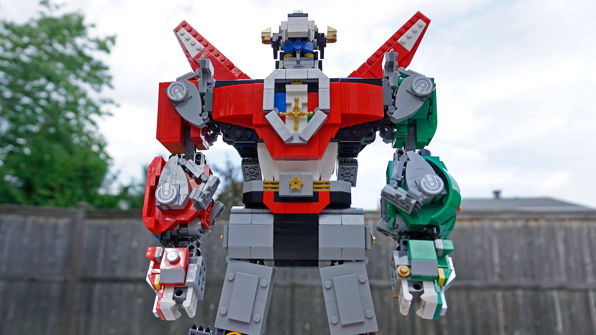 Lego's Voltron Is Wonderful Proof That Fans Are Sometimes