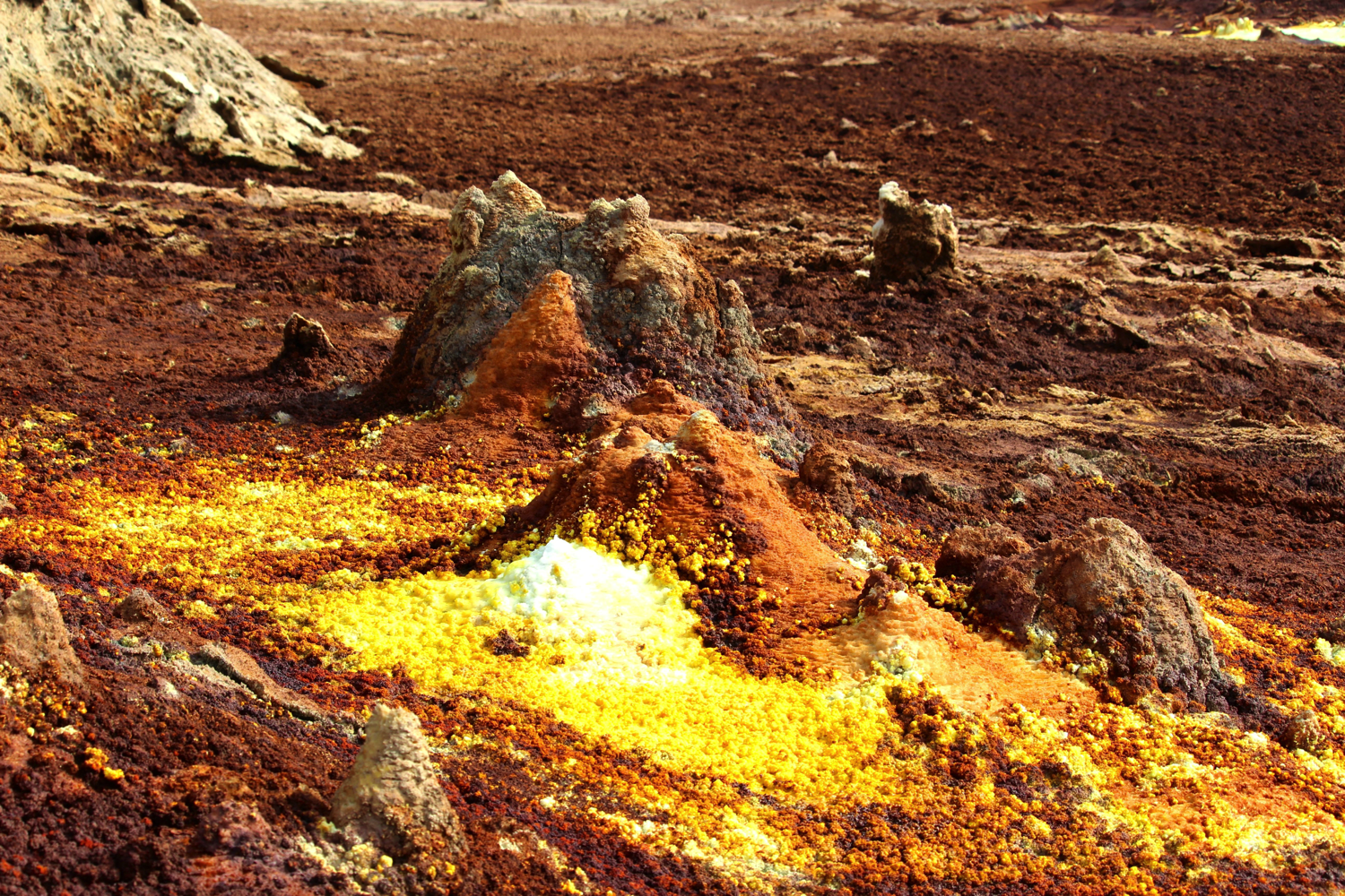 This Toxic Hot Spring Looks Like an Acid-Fuelled Nightmare
