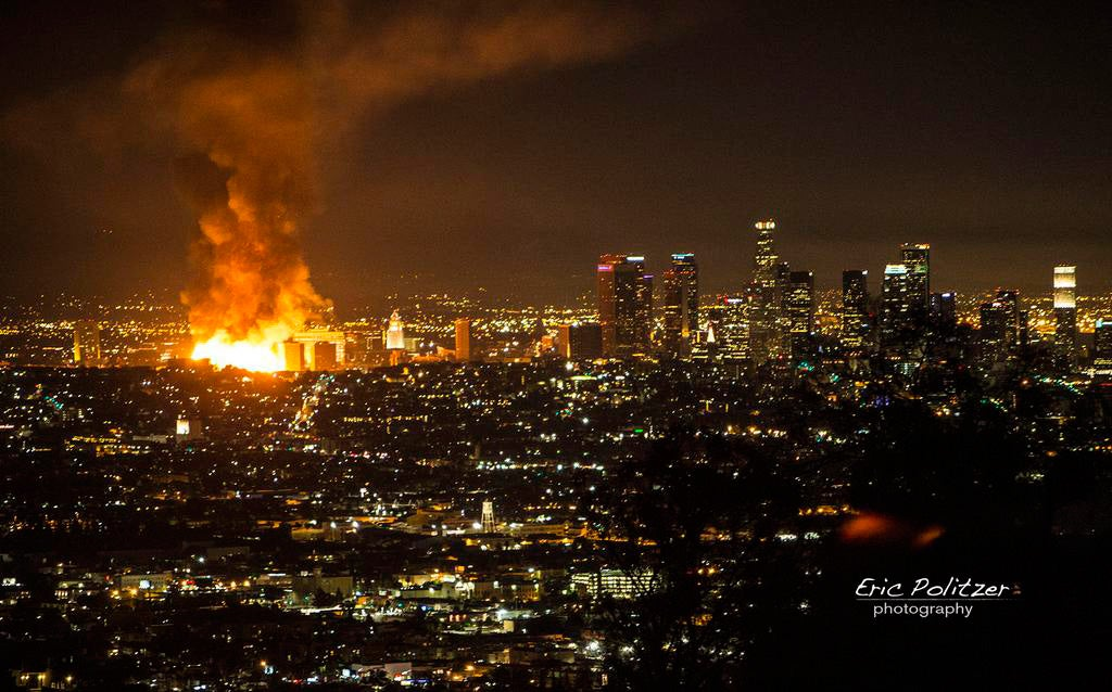 Impressive images of massive fire in downtown Los Angeles