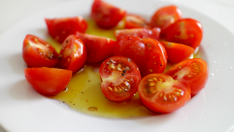 When Should You Use 'Fancy' Olive Oil?