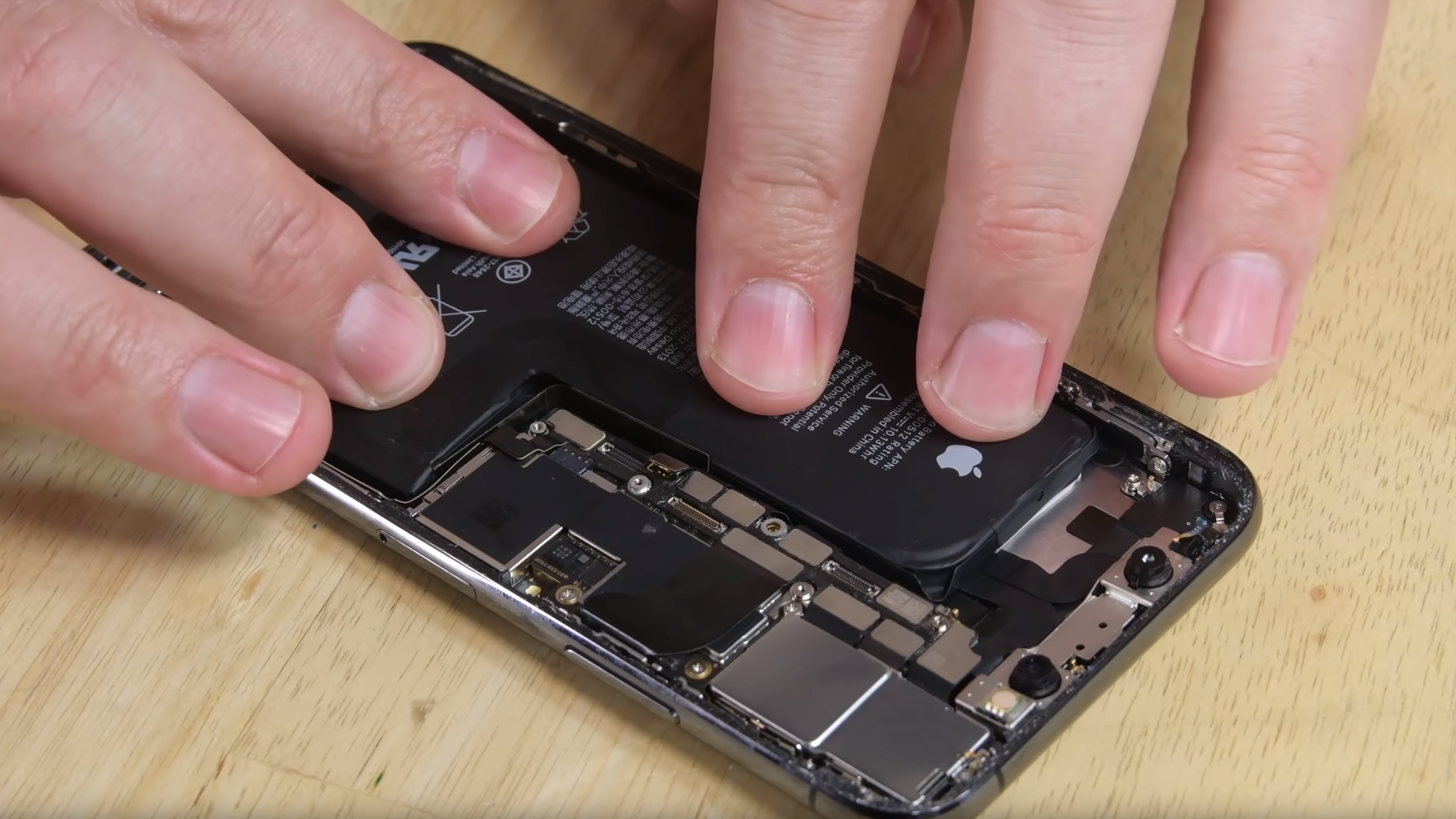 Ignore Your iPhone's 'Service' Warning For Third-Party Battery Replacements